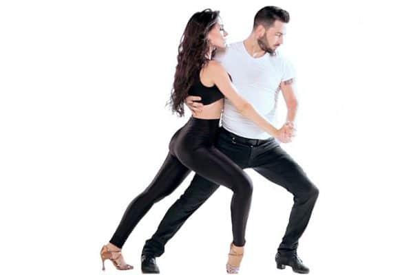 taniec w parach, bachata w parach, kurs tańca pabianice strefa ruchu