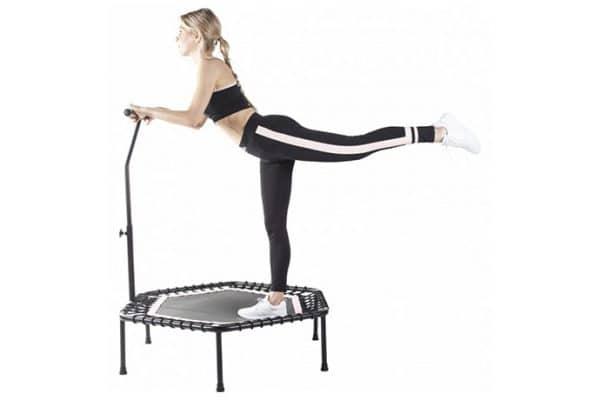 trampoliny kobieta trening klub fitness