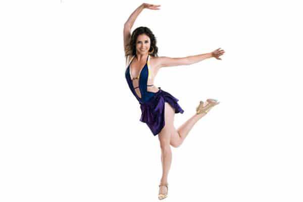 salsa solo kurs tańca kobieta tańczy, szkoła tańca pabianice
