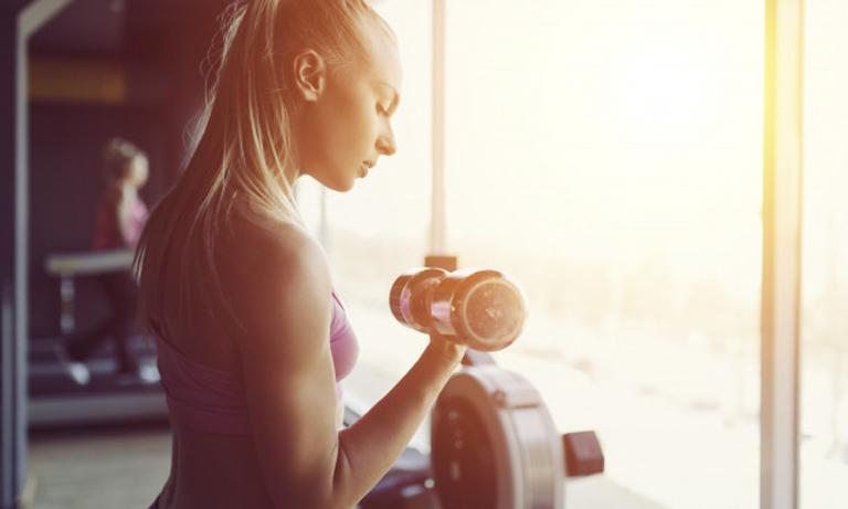 Dlaczego NIE WARTO rezygnować z ćwiczeń podczas okresu wakacyjnego?